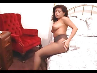 hawt mamma fingering her pussy in sheer pantyhose
