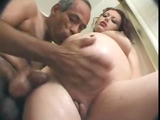 mature fella fucks pregnant woman