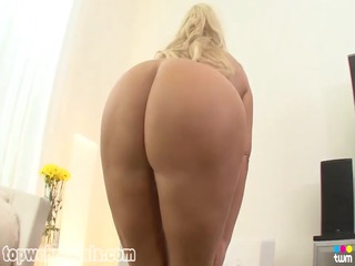 busty mother id like to fuck gets a facial