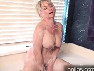 dilettante cougar uses toys for full body orgasm