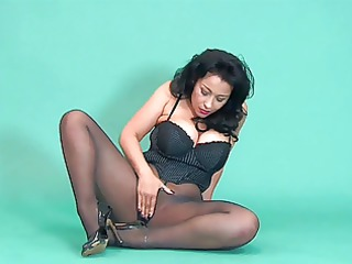 danica pantyhose &; heels