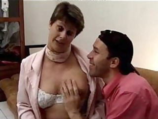hirsute french granny...f54 aged mature porn