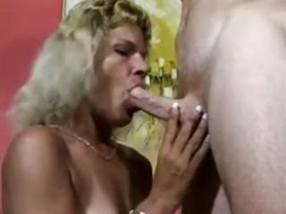 older chicks love to suck hard dicks and get