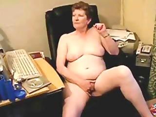 old slut fingering at computer