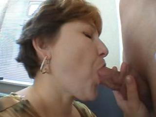 tanya is a short-haired mature wench who does a