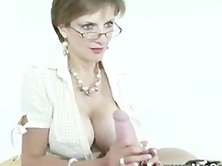 cook jerking from the domme for her servant