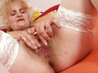 aged dominika old cookie gaping and masturbation