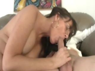 older lady gives a sloppy irrumation