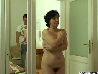 she is finds her old mamma riding her bfs cock