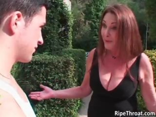 sexually excited redhead d like to fuck sucks