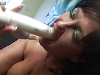 sexy british d like to fuck gets her cunt soaking