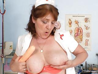breasty amateur grandma jizz flow dildo