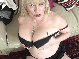 sexy british mother shows her great boobs and