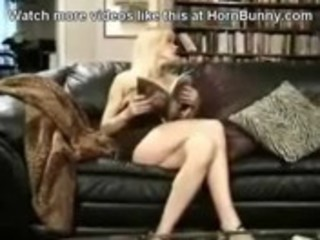 mommy likes youthful chaps - hornbunny.com
