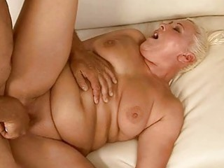 corpulent granny getting her pussy fucked