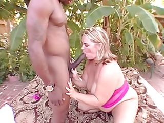 hot big beautiful woman interracial