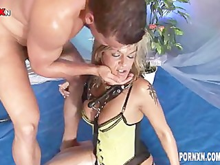 Kinky Pissing Babe