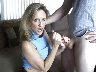 mamma gives handjob toyoung boy