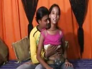 An 18 year mumbai cute girl doing sex with her