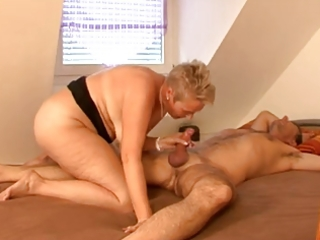 chubby blonde older bonks with lad ally on bed