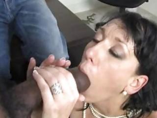 randy brunette hair momma with huge hooter sucks