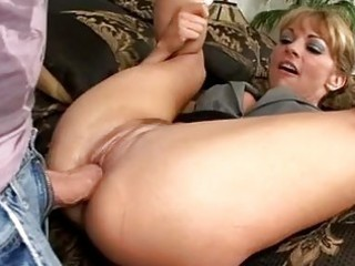 stunning blonde mother i with sexy ass acquires