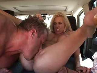 Blonde milf cant believe pussy licking technique