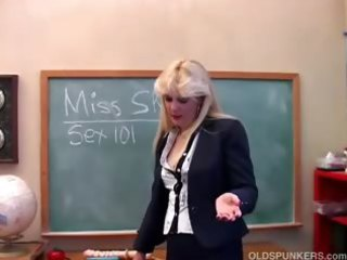 saucy milf teaches about her cum-hole
