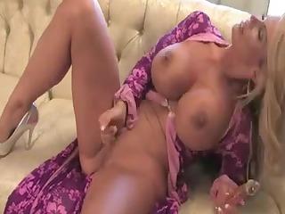 alluring mother id like to fuck masturbate :