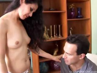 mature lalin girl loves to fuck