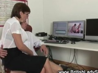 British mature slut lady sonia handjob