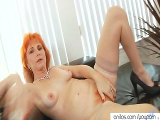 redhead mommy dildos hirsute slit