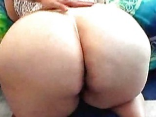 Mature bbw has fat butt