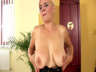 kata works her aged pussy