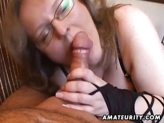breasty non-professional wife cook jerking and