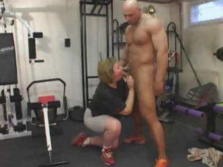 fat older exercises her butt