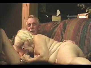 older dilettante ins a webcam