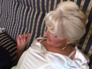 blond mature bitch fucking &_ pissing