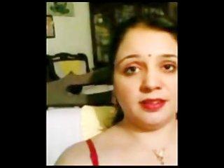pakistani muslim wife shows hairy fuddi vulva and