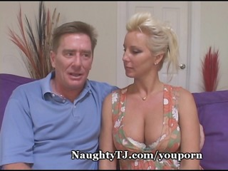 fleshly d like to fuck copulates younger cock