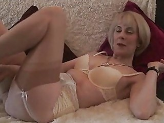 Mature stocking hairy pussy play