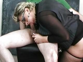 Milf bitch in sexy lingerie sucking big johnson