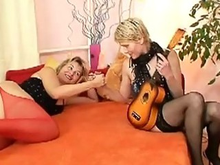 aged lesbian milfs eat snatch make out on daybed