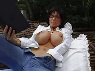 bigtits mother i brunette in glasses masturbating