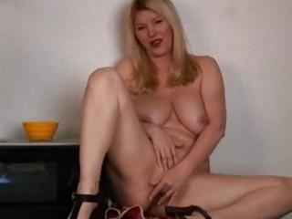 Big boobs mature in kitchen masturbation