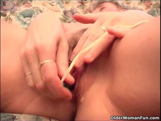 busty granny finger fucks her old fur pie and