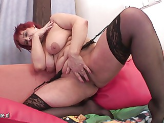 large european mom playing with her old pussy