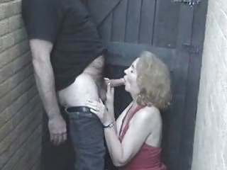 Sexy mature red head fun outdoor