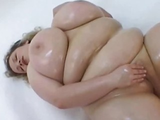 large breasted oiled mother i masturbates in her