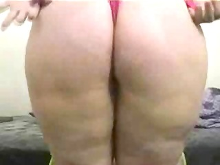 big beautiful woman riding toy for livecam